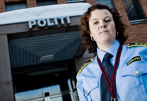 ETTERFORSKER: Politiadvokat Hanne Fauske bekrefter at 33-åringen har meldeplikt.  Foto: Benjamin A. Ward
