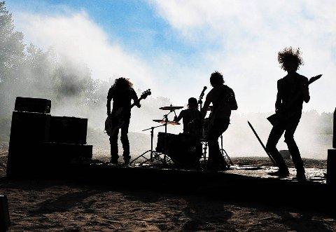 AMBISIØSE: Lokalbandet Tonic Breed er en gjeng ambisiøse musikere. Etter to album har de endelig laget sin første musikkvideo, som vi ser en smakebit fra her. (FOTO: Marie Moen Kingsrød)