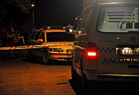 SPERRET AV: Både politi og ambulanse rykket ut til adressen i Apalveien i Askim 7. august i fjor.  ARKIVFOTO: Guri Rønning