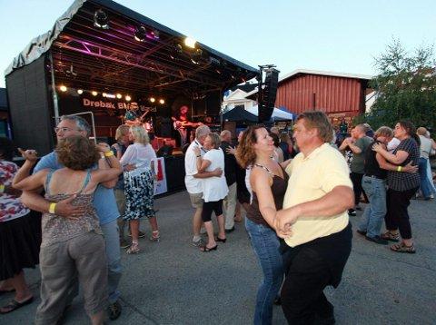 Dansegulvet ble raskt fullt.
