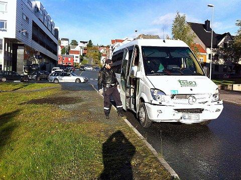 Tre biler kolliderte mandag morgen ved Tinghuset i Tromsø.