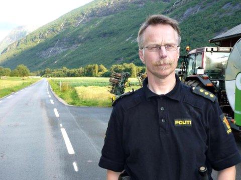 Politibetjent Ingar Solberg i Sunndal lensmannskontor ber om tips fra publikum. Arkivfoto: Jan Ødegård, Aura Avis