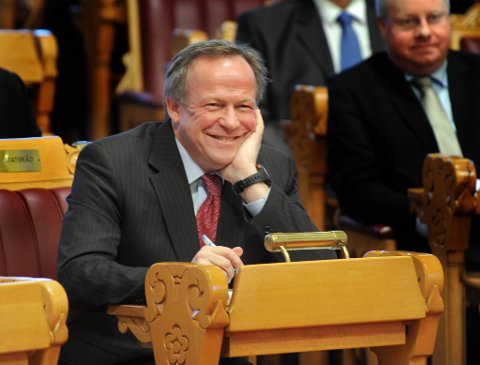 Landbruks- og matminister Lars Peder Brekk (Sp) klarte ikke dy seg for noen morsomheter i Stortingets spørretime onsdag.