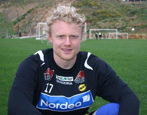 KLAR: Jon Midttun Lie gjorde comeback i tide til å rekke seriestarten mot Tromsø. Nå skal han feste grepet om venstrebacken. FOTO: MORTEN SVESENGEN