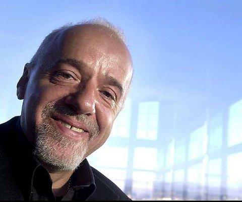 """Suksessforfatter: Paulo Coelho er forlengst blitt en suksessforfatter, også i Norge. Nå foreligger endelig hans første bok - """"Pilegrimsreisen"""" - på norsk."""