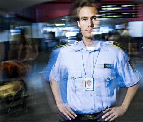 STORT BESLAG: Politiadvokat Stian Sjølie Johannessen mener det var svært viktig at politiet avdekket det store partiet med GHB. Han tror partiet var beregnet for ungdommer på Romerike.FOTO: BENJAMIN A. WARD