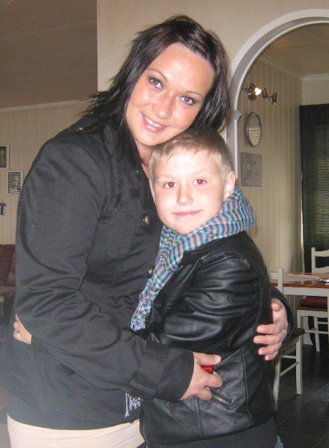 VIKTIGST: Elisabeth og sønnen Niklas på 17.mai i år.