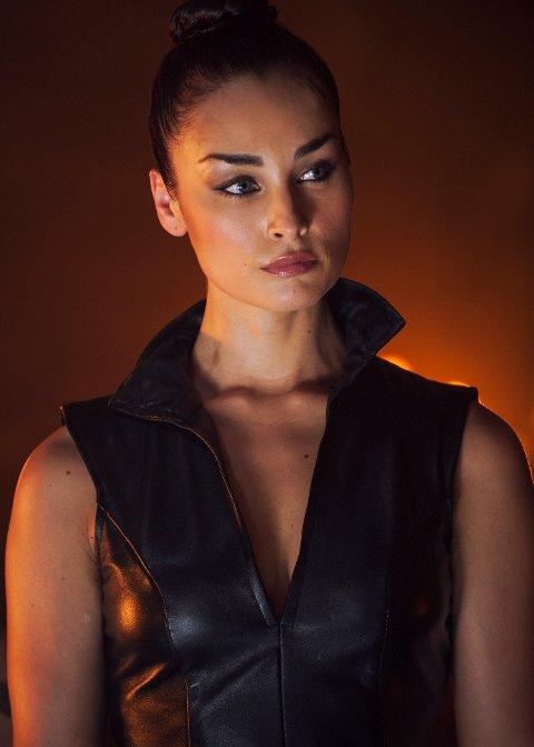Ewa Da Cruz spiller «Randi».