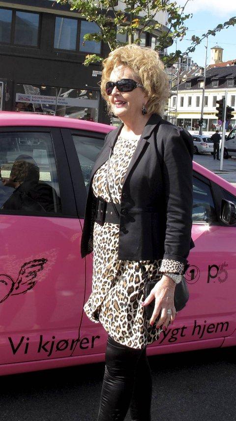Ordfører Trude Drevland var på plass under lanseringen av jentetaxien.