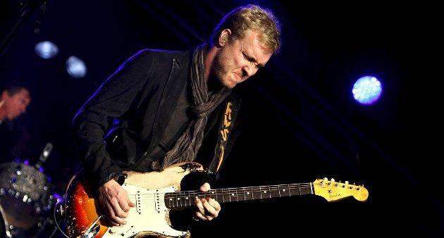 TILBAKE: Kenny Wayne Shepherd og hans band avsluttet åpningskonserten. De spilte også i Hovigs hangar senere på kvelden.