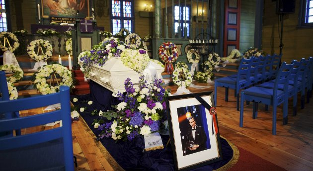 Alexander Dale Oen begraves fra Blomvåg kirke fredag.