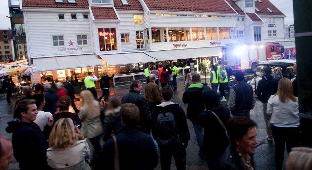 Peppes pizza ble evakuert tirsdag kveld like etter klokken 2300.