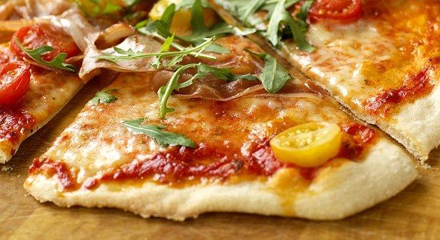 Slik blir resultatet om du lager denne smakfulle, tynnbunnede, italienske pizzaen.