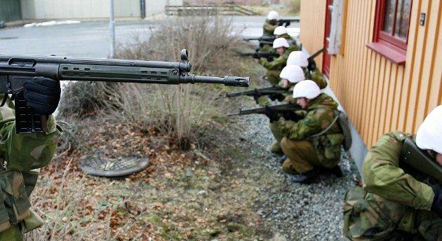 Soldatene i Heimevernet kan vente seg flere øvelser nå enn tidligere, ifølge nestlederen i forsvarskomiteen på Stortinget. Arkivfoto.