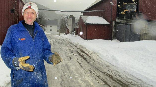 TILFREDS: Sverre Tyldum er tilfreds med at Fylkesmannen har slått fast at han ikke trenger å flytte til gården Formo Nordre i Grong. Dermed slipper han personlig boplikt, etter som Fylkesmannen mener at bosetningshensynet ivaretas av at slektninger bor på gården.