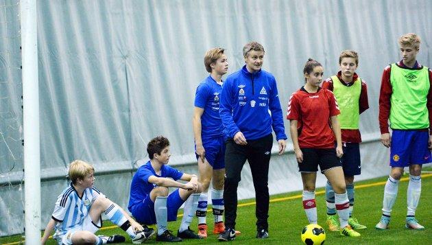 Utvalgte spillere trente under Ole Gunnar Solskjær og Mark Dempsey i Nordvesthallen.