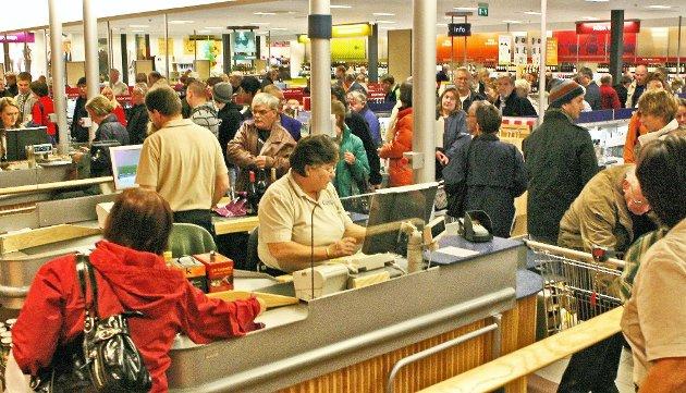 HANDLET: Systembolaget i Charlottenberg har økt salget hvert år.