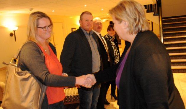 Berit Norseth Moen fikk et hjertelig møte med statsminister Erna Solberg tirsdag ettermidag.