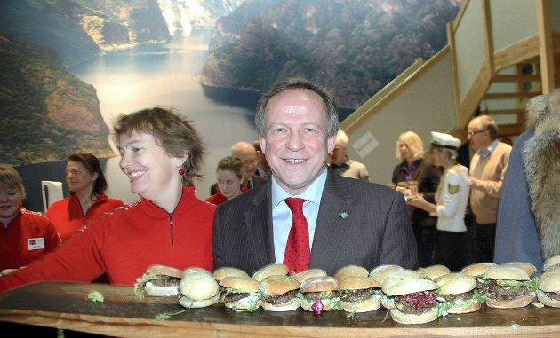 Lars Peder Brekk er kjent for å fronte stunts under messen. Her lanserte han en ny burgervariant kalt berger for to år siden.