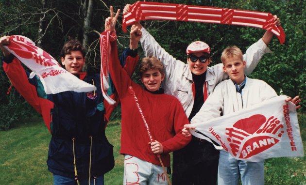 Glade kompiser på vei til Staddaren en vårdag i 94-sesongen i MER eller mindre heimesnekra dekorasjoner...Innsendt av Thomas Hals.