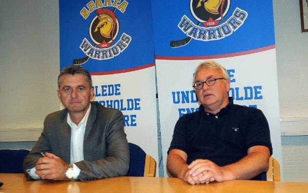 IKKE HYGGELIG: Styreleder Morten Frøid og daglig leder Morten Carlsson hadde lite hyggelig informasjon om Sparta hockey å komme med i går. (Foto: Ole-Morten Rosted)