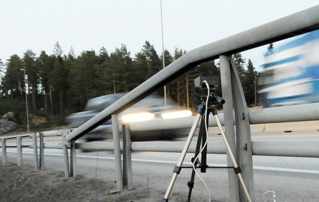ANPR er en skiltleser og dataprogram som online kan sjekke om bilene som passerer er meldt stjålet.