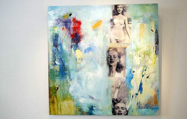 MARILYN: Marianne Aulie lar fotografiet smelte sammen med maleriet i collagene sine, og skaper en stemning av noe som viskes ut. Denne collagen med Marilyn Monroe heter «My Century».