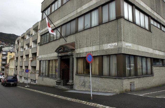 Frimurerlogen i Bergen ligger i Fosswinckles gate. Slik ser bygget ut fra gaten.