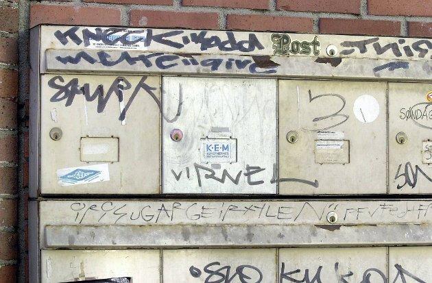 """Tegneserieekspert Øyvind Holen har laget tegneserieboken """"Drabant"""", om oppvekst i Groruddalen der grafitti er én av ingrediensene."""
