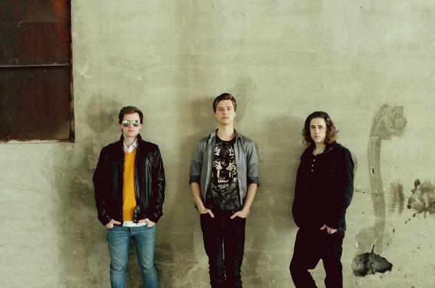 STEINKJER-uTFORDRERE: Karstein Grønnesby, Magnus Vang Johansen og Bård Terje Larsen i Duality er et hardtslående rockeband som skal utfordre namdalsartistene.