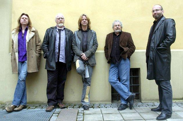 Hellbillies: Lars Håvard Haugen, Arne Moslåtten, Aslag Haugen, Arne Sandum og Bjørn Gunnar Sando.
