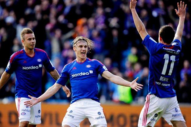 Marcus Pedersen, Martin Pusic og Morten Berre feirer etter 3-0-scoringen.