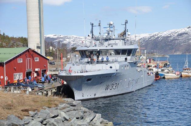 Alta sjøredningskorps inviterte til maritim dag på Bullkaia lørdag 5. mai. På plass var blant andre Kystvakta med KV «Farm».