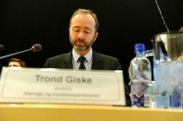 Næringsminister Trond Giske (Ap) advarer indiske myndigheter.