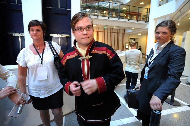 Tarjei Jensen Bech lå gjemt så nær drapsmannen på Utløya at han hørte ham puste. - Jeg tenkte på den onde Voldemort i Harry Potter-bøkene, sa han i retten onsdag.