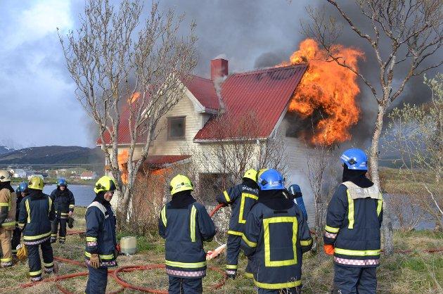 Brannvesenet øvde på et hus i Sjøveien onsdag