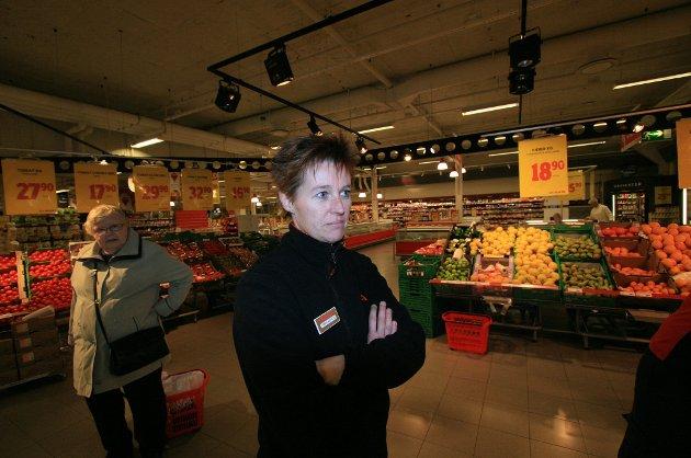 Tonni-Merete Næss, butikksjef ved Ica Maxi i Larvik sentrum, sier de er innstilte på å legge ned driften i løpet av få uker. - Nå er vi først og fremst glade for å ha fått konkrete datoer å forholde oss til, sier Næss. (Arkivfoto: Sigrid Ringnes)