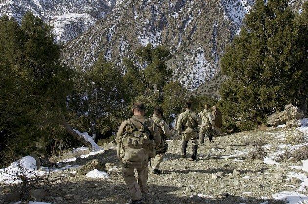 Amerikanske soldater leter etter al-Qaida-medlemmer. Det er svært sjeldent en nordmann trenes opp av terrororganisasjonen, sier en forsker.