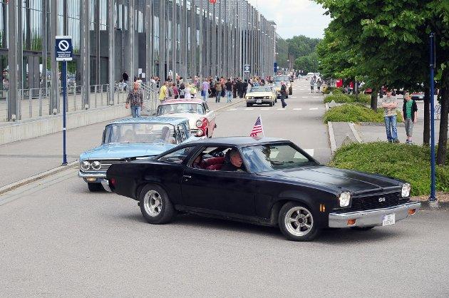 4. juli i Lillestrøm ble tradisjonen tro markert med Amcar-treff. 3.000 amerikanere prydet onsdag bybildet.