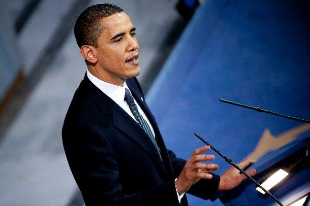 President Barack Obama har en liten ledelse p Republikanernes Mitt Romney i viktige vippestater, if¿lge en ny meningsmling.