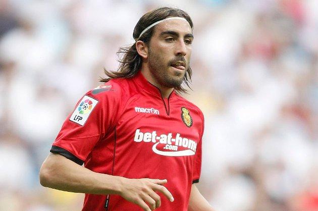 José Manuel Flores er klar for Swansea.