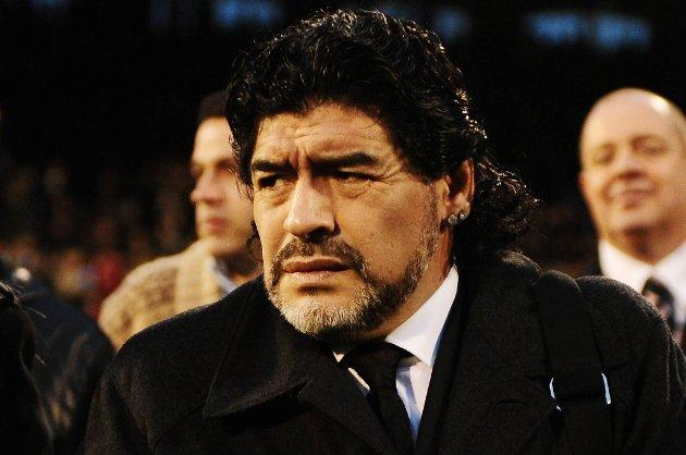 Maradona er oppgitt over at Juan Roman Riquelme forlot Boca.