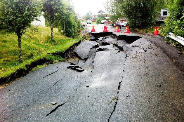Uværets herjinger i natt har ødelagt store deler av Bergskrystallen i Åmot i Buskerud.