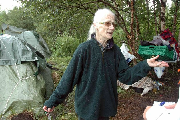 Shirley Bottolfsen har brukt 29.000 kroner på å hjelpe Romfolk.