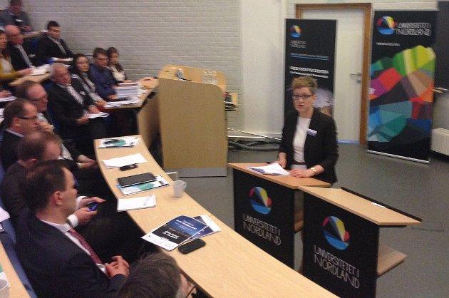 Statssekretær Ingvild Næsstubb gikk langt i kritikken av Russland fra talerstolen. Det skapte sterke reaksjoner i salen.