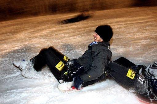 FULL FART: Frode Kippe og resten av LSK-spillerne kjørte bakkeløp med innlagt akebrett i alpinbakken på Skeikampen. ALLE FOTO: ROAR GRØNSTAD