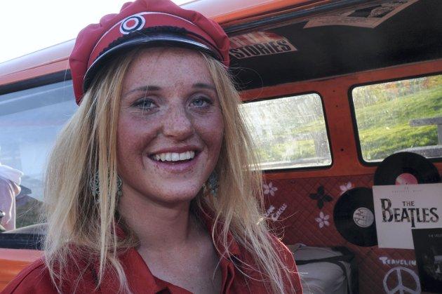 Hanna Molden har laget Hippie-buss: - Det blir mye musikk, moro og russeknuter, sier tror hun om russetiden.