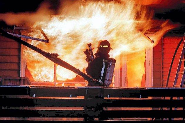 En omkom i brann på Karmøy lørdag morgen. Illustrasjonsfoto.