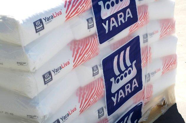 Yara-aksjen sank med 2,44 prosent fredag formiddag.