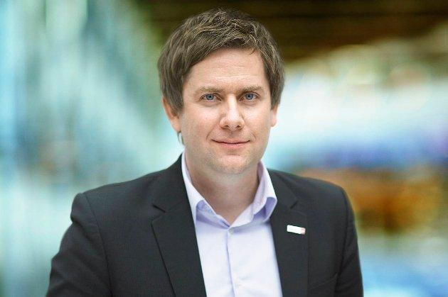 Daniel Skjeldam er i dag kommersiell direktør i flyselskapet Norwegian. Til høsten tiltrer han som konsernsjef i Hurtigruten ASA.